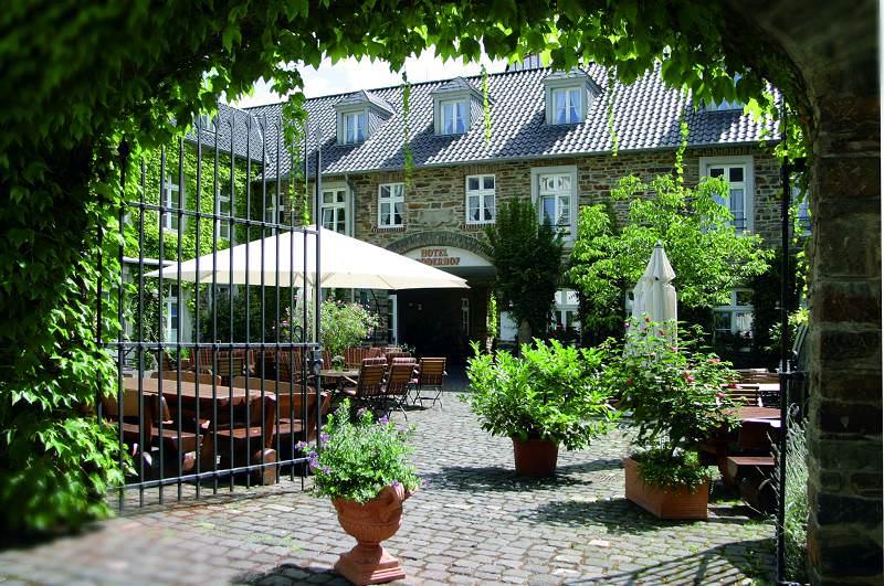 Hotel Rodderhof Ahrweiler Aussenansicht