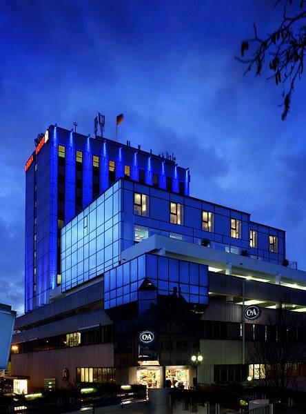Arosa Hotel Paderborn Aussenansicht am Abend